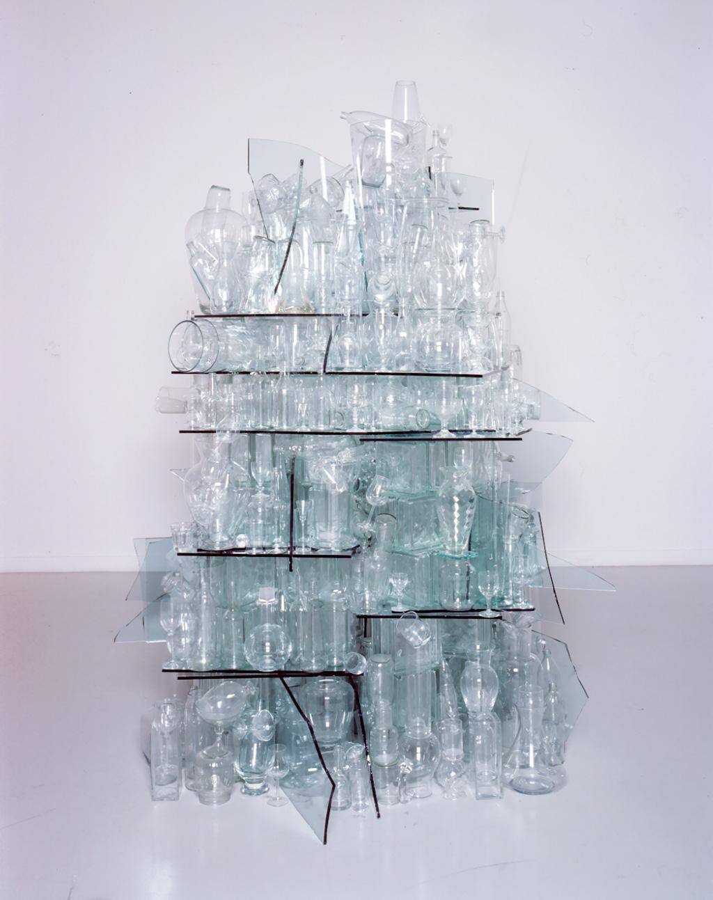 Стопка прозрачного стекла Германия, 2000 © Tony Cragg Studio, Fondazione Berengo
