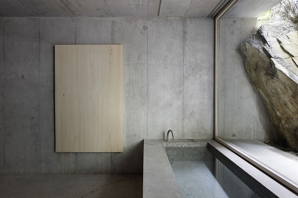 concrete-cabin-in-the-swiss10