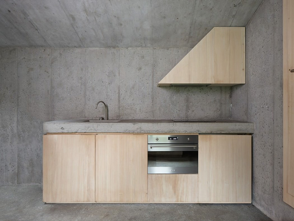 concrete-cabin-in-the-swiss15