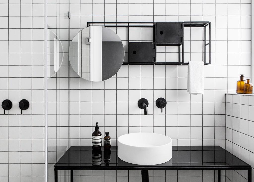 black_perry_minimalist