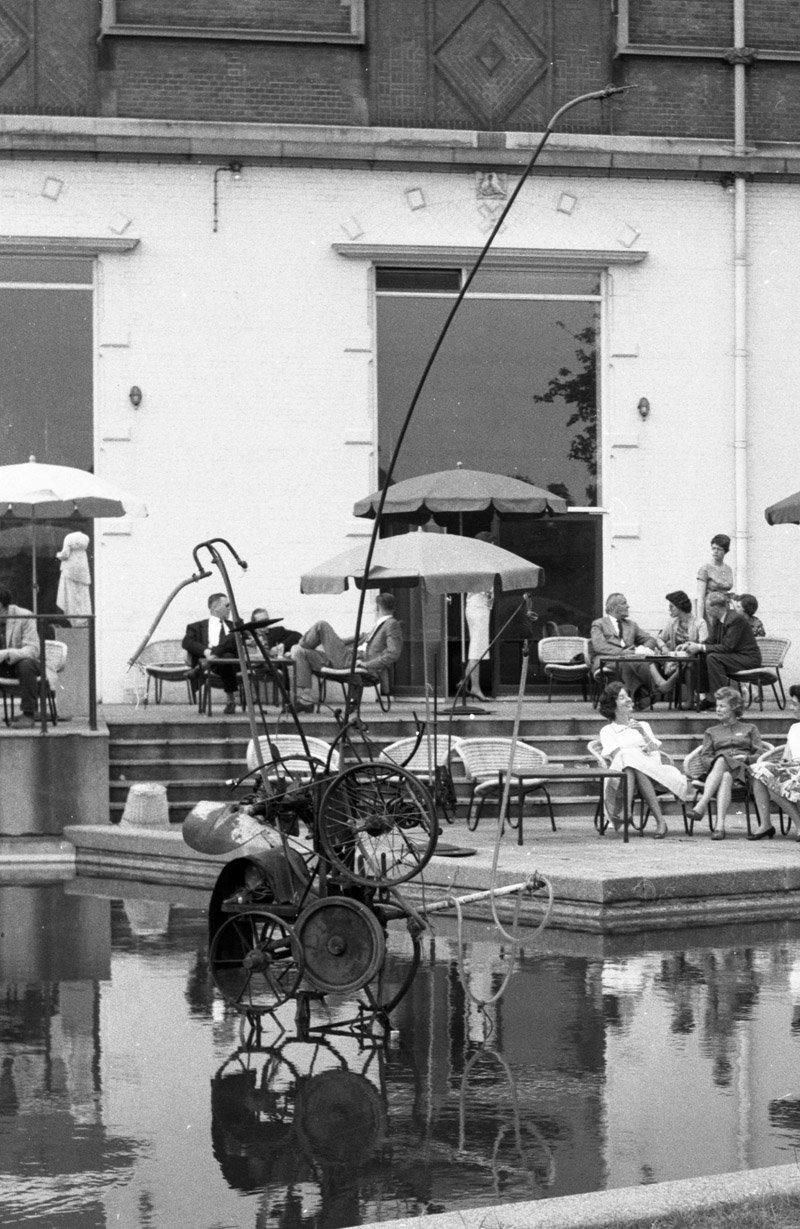 jean-tinguely_-fontaine