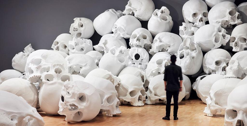 Гигантская инсталляция Рона Мьюека в Мельбурне