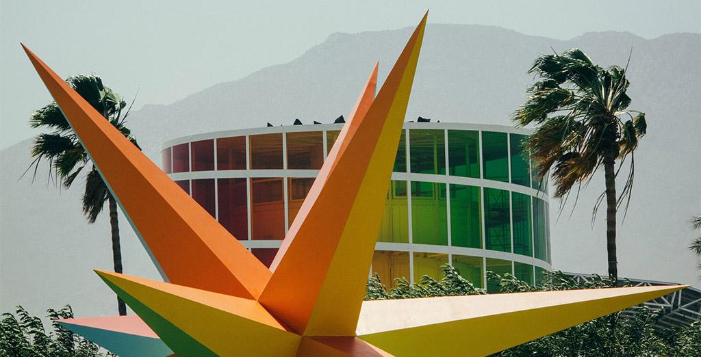 5 впечатляющих инсталляций с фестиваля Coachella